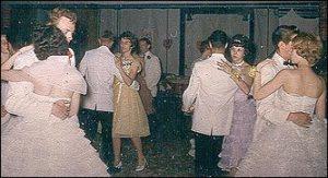 prom-dancing