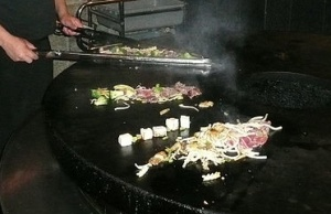 Mongolian bbq (courtesy of Wikimedia Comons)